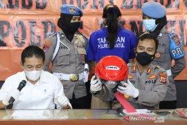 Polisi  tangkap wanita pengirim sate beracun tewaskan anak pengendara ojek di Bantul