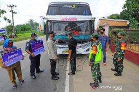 Penyekatan Pemudik Di Jalan Lintas Sumatera Page 1 Small