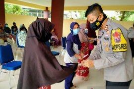 Zakat mal personel Polres Solok Kota diserahkan pada 256 mustahik