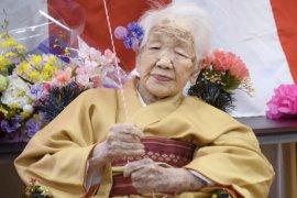 Orang tertua di dunia berusia 118 tahun mundur dari kirab obor Olimpiade