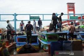 Mudik jalur sungai di Dermaga 16 Ilir Palembang