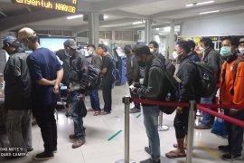 ASDP: Penumpang kapal tujuan Pulau Jawa wajib bawa surat negatif COVID-19