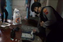 Digerebek, industri petasan rumahan di Banyumas