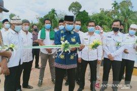 Bupati Kuansing resmikan jembatan penghubung desa