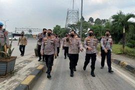 Kepala Polda Banten pastikan arus angkutan pasokan logistik Jawa-Sumatera lancar