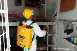 Cegah COVID-19, Rutan Maninjau semprot disinfektan tiap pekan