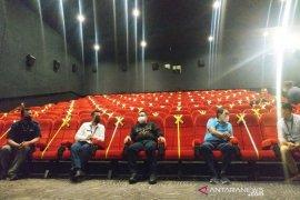 Kotawaringin Timur izinkan bioskop  dibuka, Bupati ikut tonton film