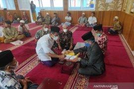 Usai dikhitan, seorang warga binaan Lapas Biaro ucapkan syahadat