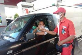 SPBU di Jalintim Tulangbawang bagikan takjil gratis