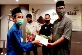 Hotel NEO Palangka Raya berbagi kebahagiaan di bulan suci Ramadhan