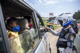 Penyekatan Pemudik Di Perbatasan Palembang-Ogan Ilir Page 2 Small