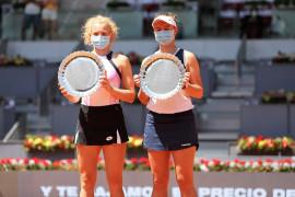 Krejcikova/Siniakova juarai ganda putri Madrid Open