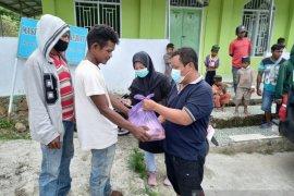 Gubernur Sulteng  salurkan 1.000 paket pangan untuk warga kurang mampu