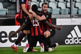 Juventus terancam tak masuk empat besar setelah dihabisi Milan 0-3