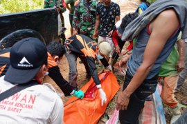 Delapan penambang ilegal tewas tertimbun longsor di Solok Selatan, 16 dievakuasi