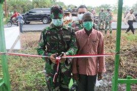 Lukmin bahagia rumahnya di Tempuling direhab TNI