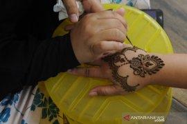 Jasa lukis henna untuk idul fitri Page 2 Small