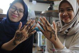 Jasa lukis henna untuk idul fitri Page 4 Small