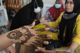 Jasa lukis henna untuk idul fitri