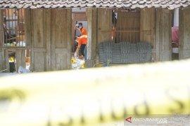Polisi olah TKP ledakan petasan tewaskan dua warga di Tulungagung