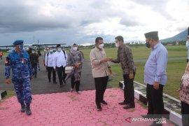 Gubernur Kepri akan mengikuti sholat Idul Fitri di Natuna