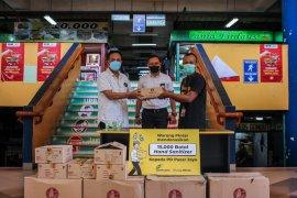 15.000 hand sanitizer dibagikan di pasar tradisional