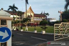 """Pelaksanaan Sholat Id di Padang """"bergeser"""" dari lapangan ke masjid dan mushalla"""