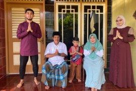 Pemain PSS Arsyad merayakan Lebaran dengan pesta ketupat