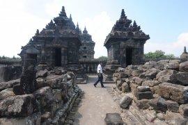 Candi Prambanan dibuka untuk wisatawan