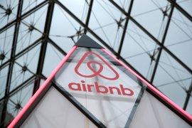 Pemesanan di Airbnb meningkat 52 persen berkat vaksin COVID-19