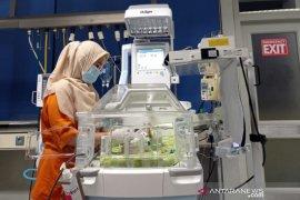 Kesedihan perawat saat takbir berkumandang
