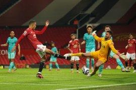 Ditengah jadwal padat,  Manchester United takluk atas Liverpool