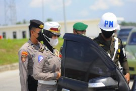 Semua kendaraan wajib melalui posko penyekatan di Tol Sumatera ruas Bakter