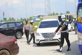 Semua kendaraan wajib melalui posko penyekatan di Tol Sumatera ruas Bakter Page 2 Small