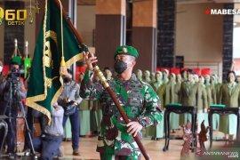 Kasad Andika terima laporan kenaikan pangkat 25 pati TNI AD