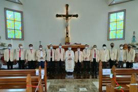 Edwin Kindangen mengesahkan pengurus KBK Paroki Pineleng