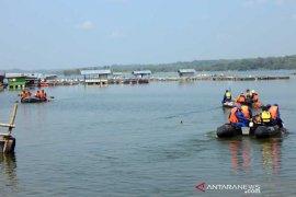 Perahu  tenggelam di Kedung Ombo angkut banyak penumpang