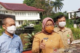 Sebabkan kerumunan, Pengelola wisata Boash Waterpark Rancabungur, Bogor didenda Rp25 juta