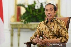 Presiden Jokowi tinjau vaksinasi dan proyek kereta cepat Jakarta-Bandung