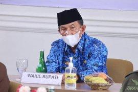 Wakil Bupati Pesisir Barat hadiri arahan Presiden RI di Mahan Agung