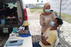 Ratusan pemudik digiring tes antigen di  perbatasan OKI