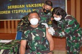 Flash - Dua prajurit Yonif Linud 432 Kostrad tewas dibacok OTK di Dekai