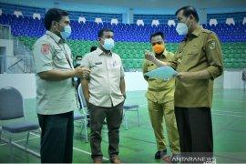 Wako Pekanbaru pastikan vaksinasi massal tidak ada kerumunan saat dukunjungi Jokowi