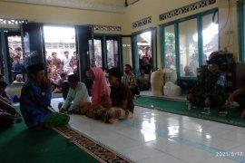 Diduga dukun Santet, tiga warga Lombok Tengah disumpah