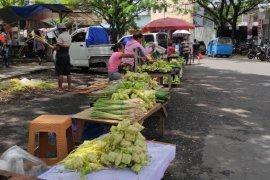 Penjualan ketupat jelang Lebaran Ketupat di Manado Page 3 Small