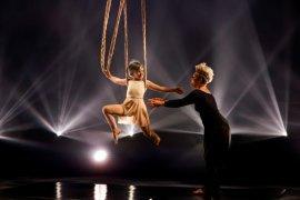 Pink tampil bersama putrinya di panggung BMA 2021