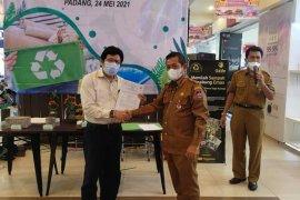 Produk daur ulang sampah di Padang tembus mal dan swalayan