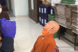 Puja Bakti Waisak di Wihara Ekayana Arama didahului rapid test antigen