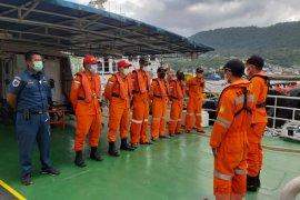 KN SAR Bhisma cari penumpang terjun ke laut di Banggai