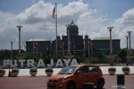 Suasana Putrajaya relatif sepi menjelang total lockdown